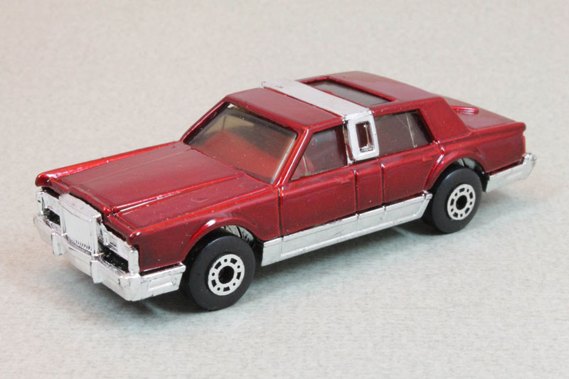 Details about  /Matchbox MB 43 Lincoln Town Car Red Unopened